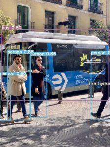 YOLOv5 bus.jpg